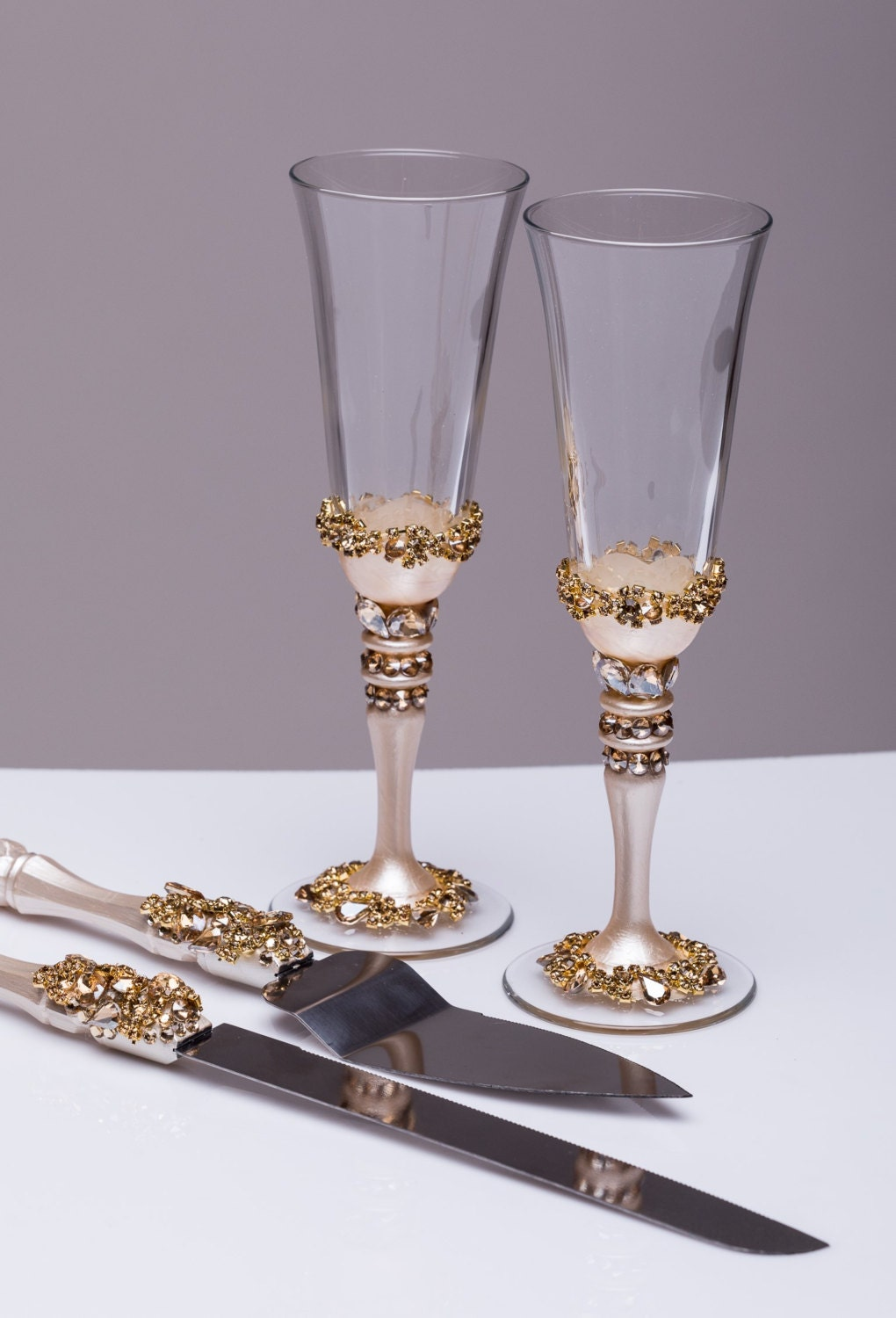 wedding cake serving set and flutes gold wedding glasses and cake server set wedding cake knife 24298