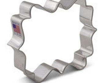 """Lilaloa Square Plaque 3 3/8""""x4"""" Cookie Cutter by Ann Clark"""