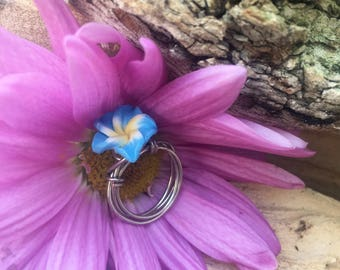 Wire wrapped Hawaiian flower ring