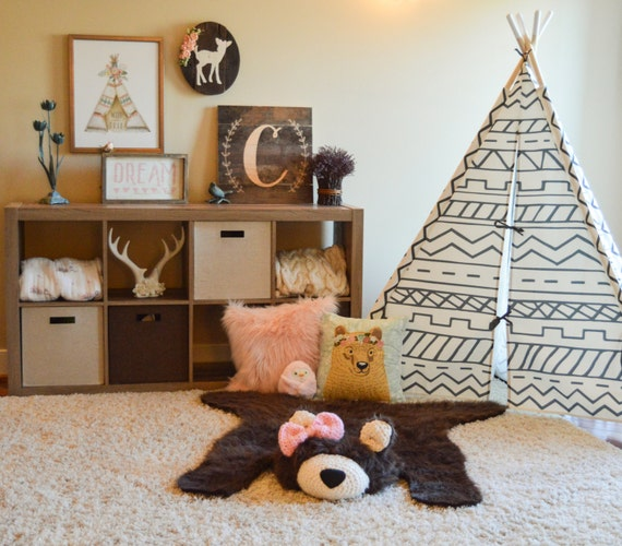 Bear Rug / Faux Bear Rug / woodland nursery / Baby room decor / Bow / animal playmat / ClaraLoo