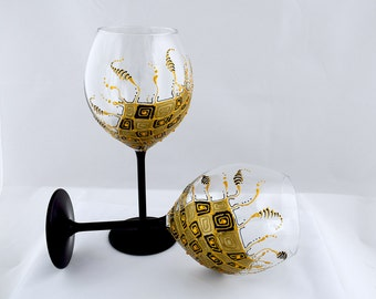 Wine glasses Gold glasses Black wine goblets Hand painted wine glasses Gatsby style glasses Modern wedding glasses Gift for him Set of 2