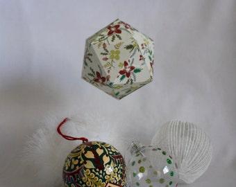 CHRISTMAS#01 - Christmas ball - Red and green holly