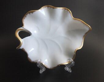 "Limoge France Decor Main Porcelain Leaf Trinket Dish, Vanity Dish  White w Gold Accents, Looped Handle, Trinket Dish, Ring Dish, 6"" Length"