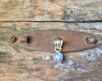 Vintage Sterling Silver Round Opal Pendant