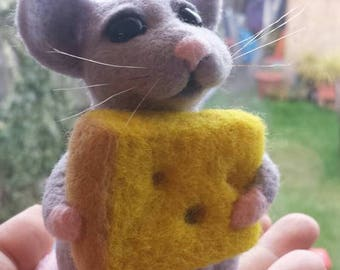 Needle felted mouse with the cheese, Mouse, Felted mouse