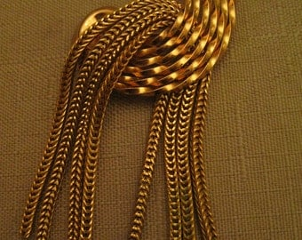 Un Worn Napier HUGE 3 & 3/8 Inches Dangle Brooch Gold Tone Metal Moving Chains Vintage