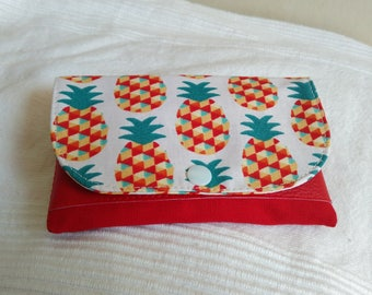Joke to tobacco, pouch tobacco red and off-white grounds pineapple