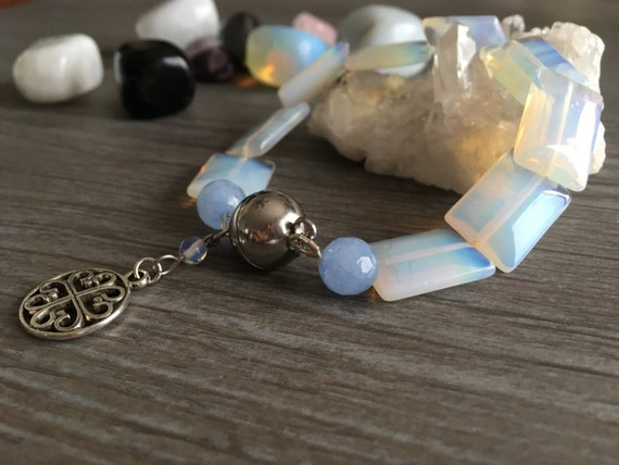 Wife Opal stone and blue jade bracelet, attached magnetized with Medal