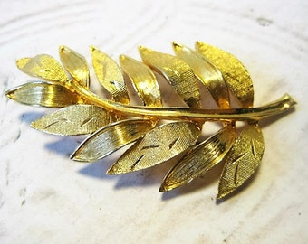 """Vintage Brooch, Gold Tone Brooch, Vintage Leaf Pin, Brushed Gold Tone, Almost 3"""" Long, Classy Ladies, Classy Jewelry, Dressy Brooch"""