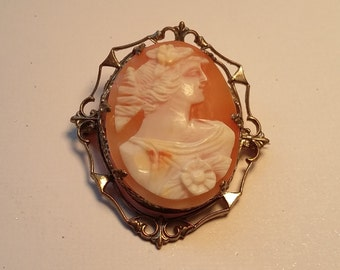 Delicate Antique Hand Carved Shell Cameo Brooch
