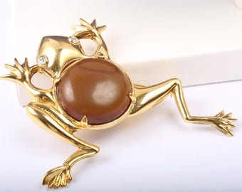 1950s Kramer of New York Frog with Bakelite 'Jelly Belly'