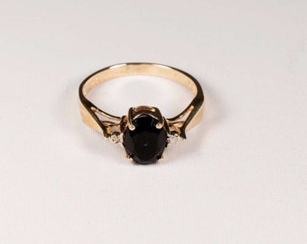 10K Yellow Gold Black Onyx and Diamond Chip Ring, 1.9 grams, size 6