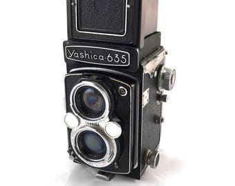 Vintage Yashica 635 twin lens reflex camera, spares or repair