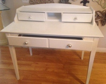 Ships for free!! Classic fabulous Cottage chic desk, living room, bedroom, office, kitchen.