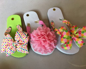 FLIP FLOPS cute as can be!  Bows on the Toes.  Summer fun