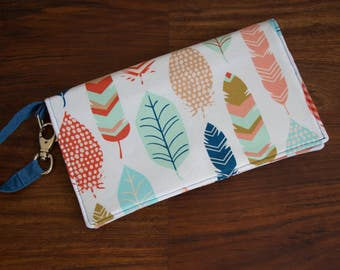 Feather Diaper Clutch, Diaper Bag, Baby Shower Gift, Diaper Wristlet, Stroller Bag, Gift for Moms, Baby wipes and diaper case, nappy bag