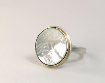 Ring Perlmutt Silber 750 Gold Fassung Unikat Schmuckdesign hand made in Germany