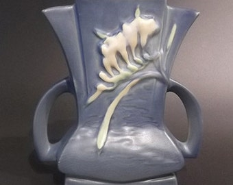 Roseville Pottery Blue Freesia Fan Vase 200-7