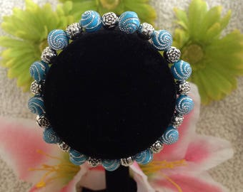blue & silver beaded bracelet