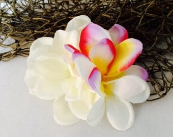 Gardenia Plumeria Tropical silk flower hair clip
