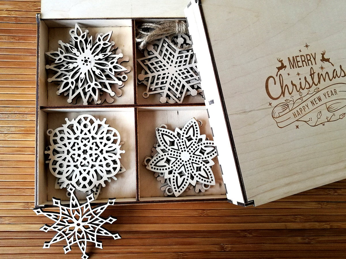Snowflakes ornaments - Wooden Snowflake Ornaments Wood Christmas Decoration Snowflakes Christmas Tree Ornaments Christmas Gift