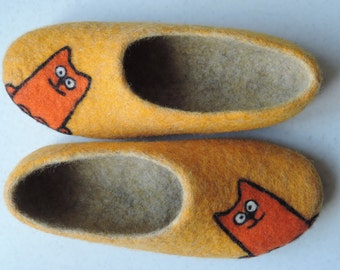felted slippers  home felt shoes women  Woolen clogs natural wool ginger cat