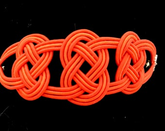 Bracelet in paper ropes and silk - three knots - red