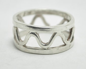 T18D06 Vintage Modernist Style Abstract Open Wave 925 Sterling Silver Ring Size 9.75