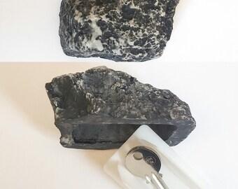 safe box secret rock  concealment stash Tin stash safety deposit box