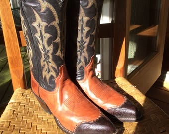 """Almost New With Tags, Unisex  """"Saddle"""" Boots - Men's size 7D, Women's Size 8.5   just forty bucks- small"""