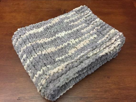 Hand Knit Chunky Baby Blanket // Bernat Blanket Yarn // Gender