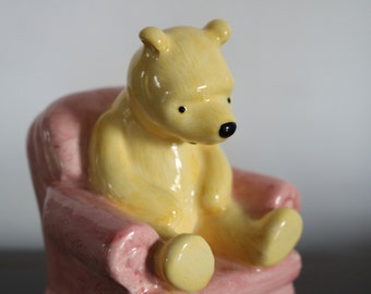 Royal Doulton Winnie the Pooh Figurine  Pooh in the Armchair (Model No WP4)