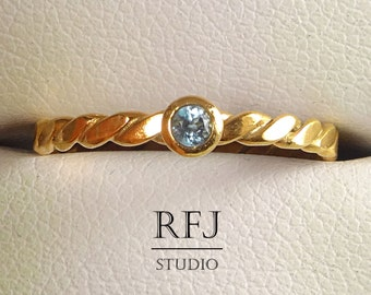 Natural Swiss Topaz Flat Rose Gold Rope Ring, December Birthstone 14K Rose Gold Plated 2 mm Round Cut Blue Topaz Ring, Rose Gold Topaz Ring