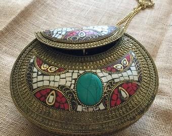 Antique brass purse -white