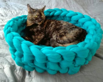 Cat bed, merino wool, Cat cave, 100% wool, Cat house, Cat furniture, Knitted pet bed, Pet accessories, Cat nest, Chunky cat bed
