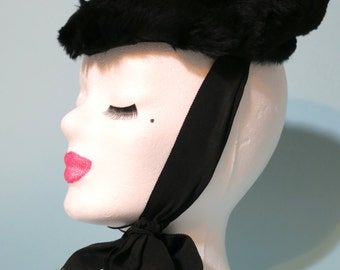 Glamourous vintage 1940s black fur tilt topper hat - 40s tilt hat with gold detail