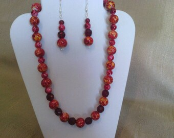 283 Red Hot Marble Style Glass Beads Beaded Choker