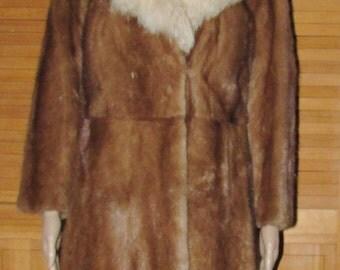 Vtg  très joli manteau de fourrure de vison brun pâle/collet de renard/ light brown mink fur coat/white fox fur  collar   sz small bust 38