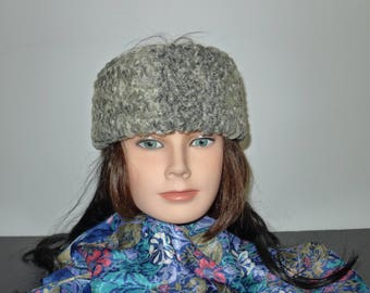 Beautiful vintage  gray  Persian lamb  fur headband in excellent condition.  S  XS