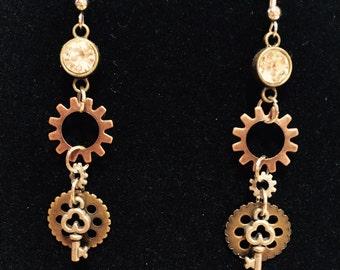 Gear & keys Steampunk style earrings