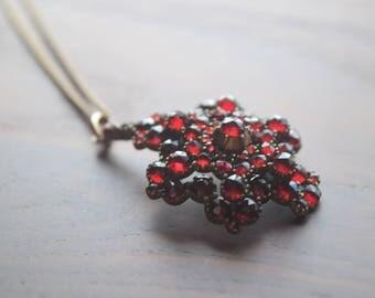 Antique Star Motif Bohemian Rose Cut Garnet Pendant Necklace