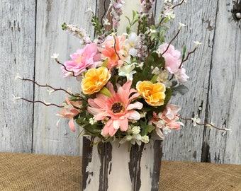 Spring Arrangement in Rustic Wood Box, Shabby Chic Floral Centerpiece, Farmhouse Rose Arrangement, Primitive Home Décor, Vintage Wedding