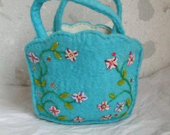 Turquoise felt bag/basket