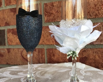 Winter Bride and Groom Toasting Glasses