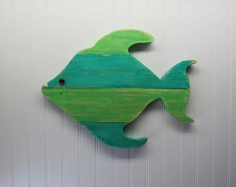 Pallet Wood Tropical Fish Wall Decor