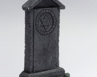 "miniature gravestone, model ""Jewish"" gravestone"
