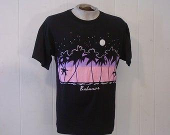 Vintage t-shirt, graphic t shirt, Bahamas t shirt, 1980s t shirt, travel t shirt, vintage clothing, large