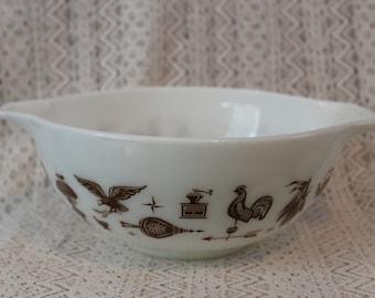 Pyrex 443, Early American Cinderella Mixing Bowl, 2-1/2 Qt Mixing Bowl, Pyrex Mixing Bowl
