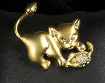Cat & Mouse pin in goldtone with rhinestones 1980's