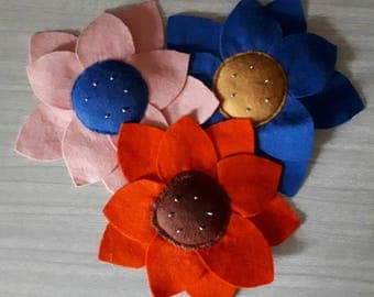 3 Vintage Flower Pin Cushions